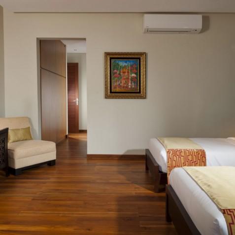 Villa Joss - Batu Belig Suite Bedroom - Seminyak, Bali