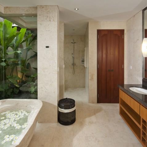Villa Joss - Master Bathroom - Seminyak, Bali