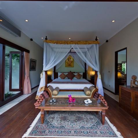Villa Kalimaya I - Ground Floor Bedroom in Main House - Seminyak, Bali