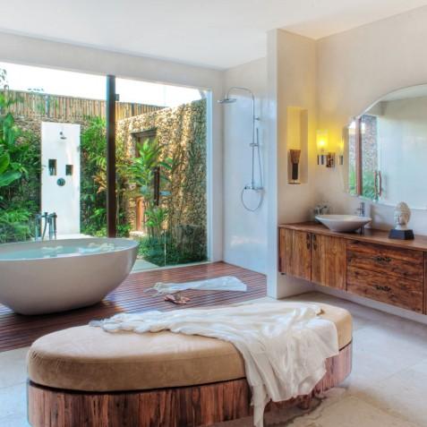Villa Lataliana I - Master Ensuite Bathroom - Seminyak, Bali