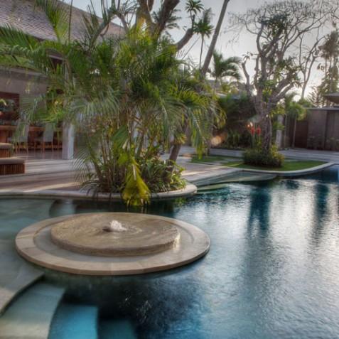 Villa Lataliana I - Sunset over Pool - Seminyak, Bali