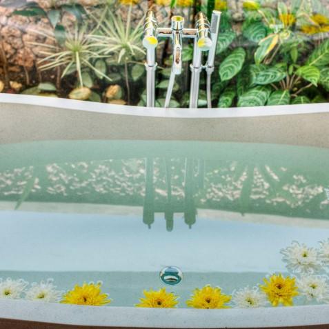 Villa Lataliana II - Flower Bath - Seminyak, Bali