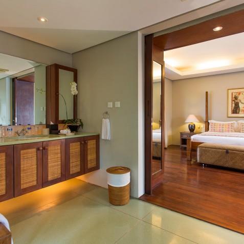 Villa Lilibel Bali - Guest Bedroom Three with Ensuite - Seminyak, Bali