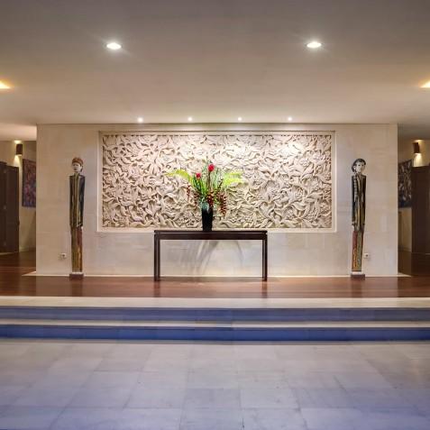 Villa Mandalay Bali - Entrance Wall Carving - Seseh-Tanah Lot