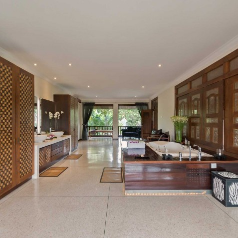 Villa Manis Bali - Master Bathroom - Canggu, Bali