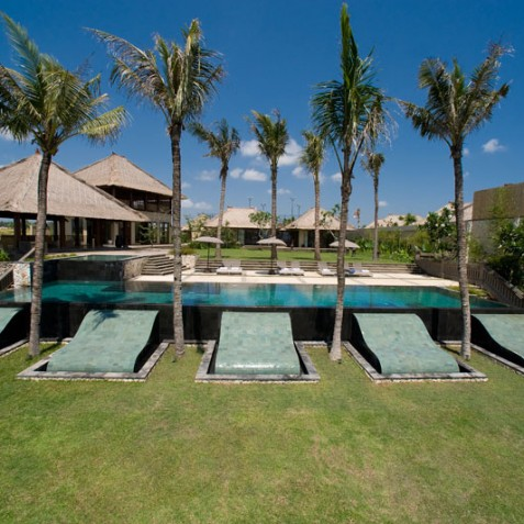 Villa Mary Bali - Garden and Pool - Pantai Lima, Canggu, Bali