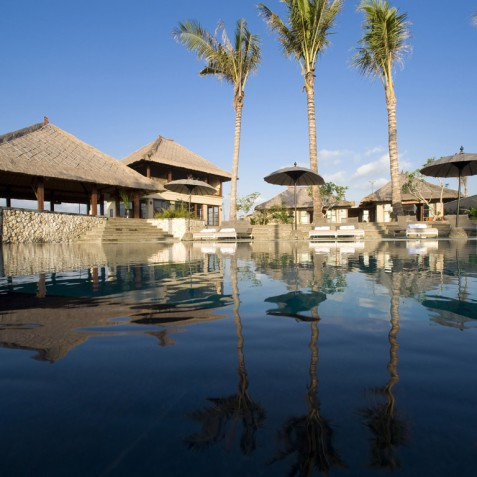 Villa Mary Bali - Pool and Sun Deck - Pantai Lima, Canggu, Bali