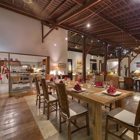 Villa Paloma Bali - Dining Room and Ktichen - Canggu, Bali
