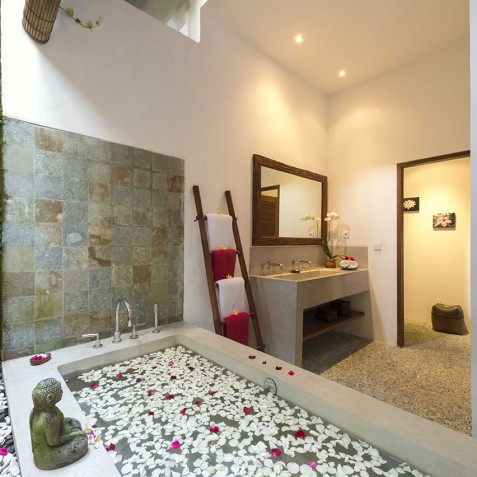 Villa Paloma Bali - Guest Bathroom - Canggu, Bali