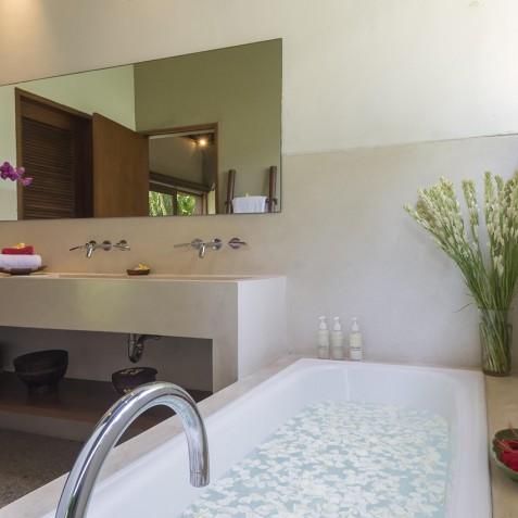 Villa Paloma Bali - Guest House Bathroom - Canggu, Bali