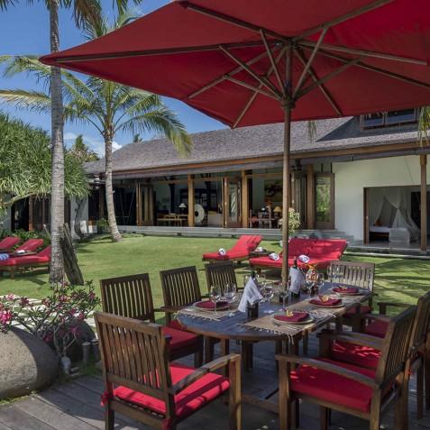 Villa Paloma Bali - Poolside Alfresco Dining - Canggu, Bali