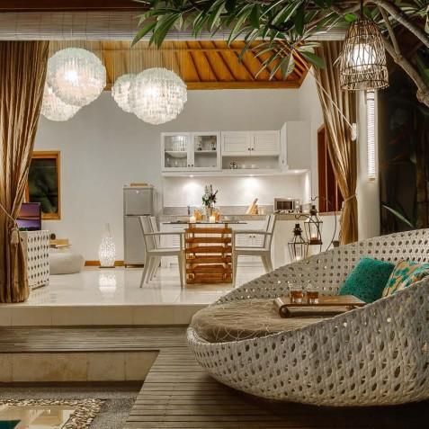 Villa Sea - 4S Villas - Poolside Lounger - Seminyak, Bali
