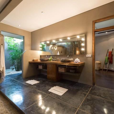 Villa Shambala - Open Plan Bathroom - Seminyak, Bali