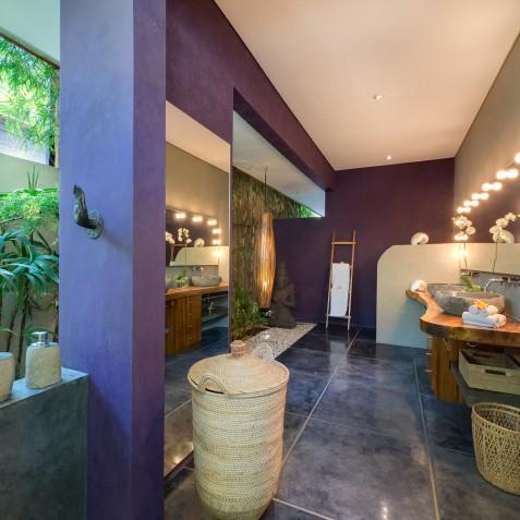 Villa Shambala - Purple Bathroom - Seminyak, Bali