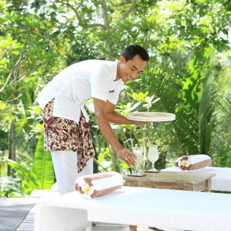 Villa Shamballa Moon, Ubud, Bali - Refreshments by Pool