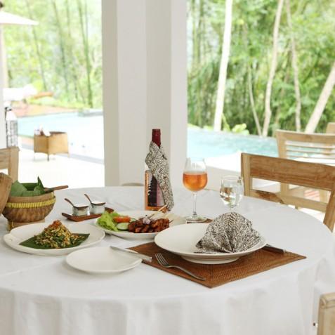 Villa Shamballa Residence, Ubud, Bali - Dining by Pool