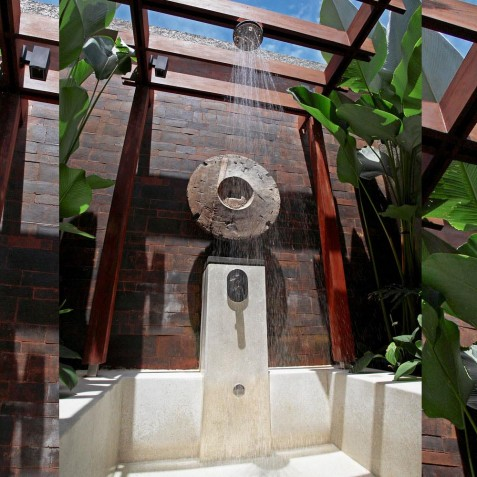 Villa Tukad Pangi - Outdoor Shower - Canggu, Bali