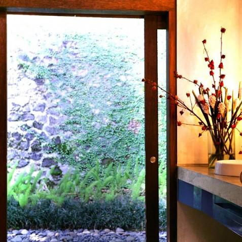 Villa Umah Tampih, Ubud, Bali - Guest Bathroom