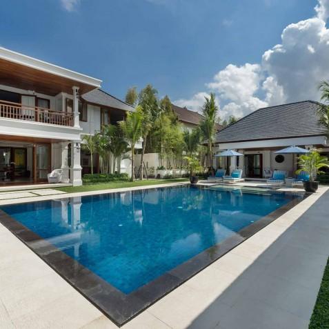 Villa Windu Asri - Pool and Balconies - Seminyak, Bali