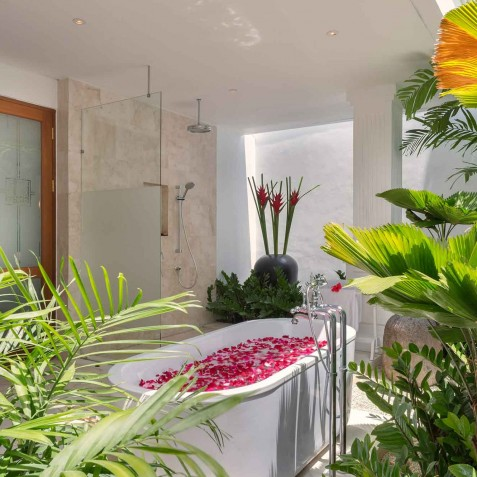 Villa Windu Asri - Poolside Guest House Ensuite - Seminyak, Bali