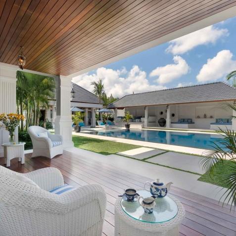 Villa Windu Asri - Poolside Lounge Area - Seminyak, Bali