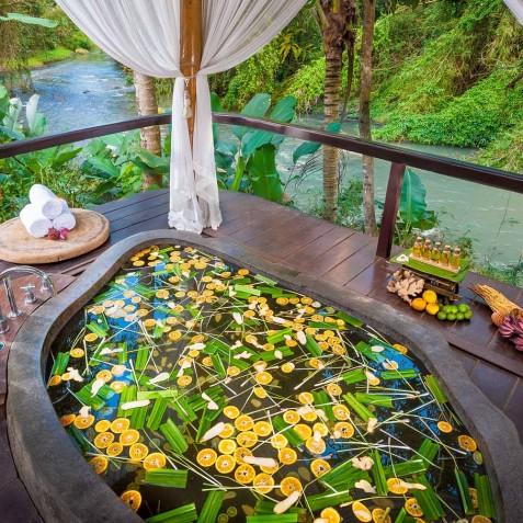 Fivelements Puri Ahisma, Bali - Spa Flower Bath