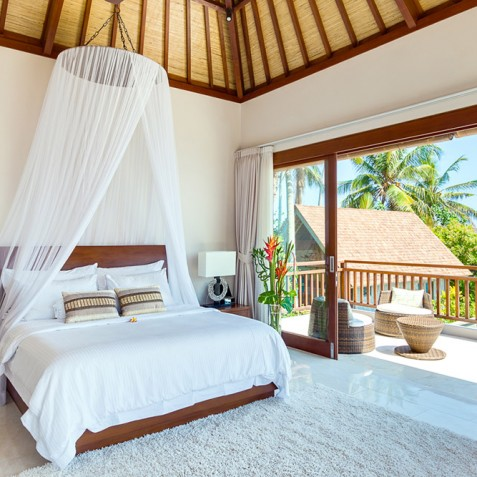 Tirta Nila Beach House, Candidasa, Bali - Oceanfront Master Bedroom