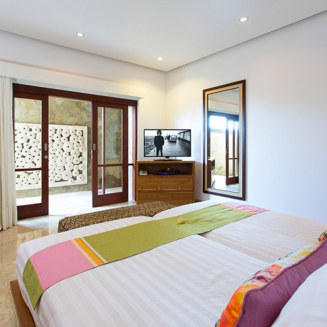 Villa Bayu Gita Beachfront Bali - Downstairs Guest Bedroom