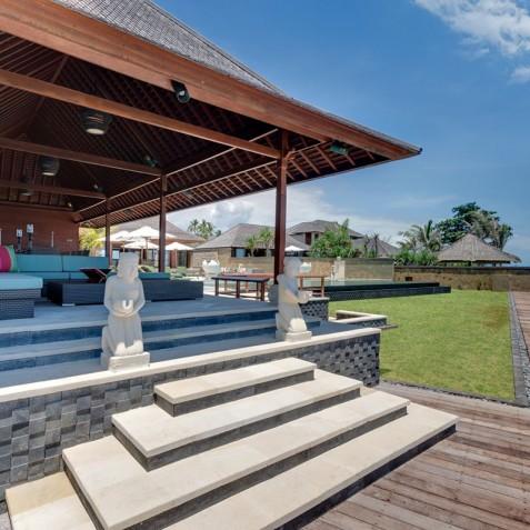 Villa Bayu Gita Beachfront Bali - Deck