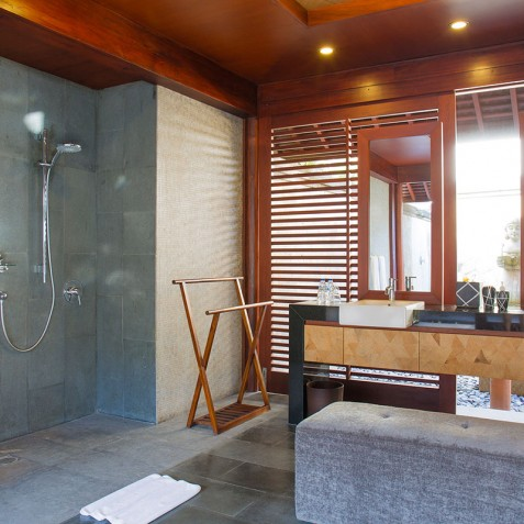 Villa Bayu Gita Beachfront Bali - Master Suite One Ensuite