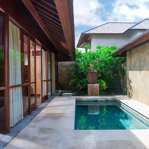 Villa Bayu Gita Beachfront Bali - Master Suite Two Plunge Pool