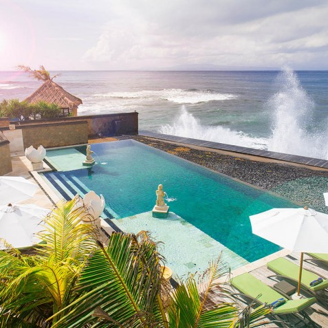 Villa Bayu Gita Beachfront Bali - Pool and Ocean