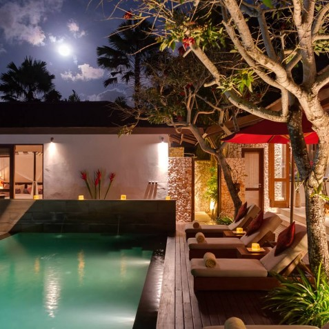 Villa Capung Bali - Poolside Evening