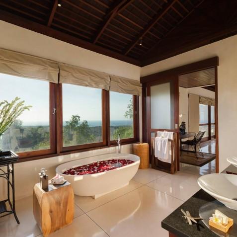Villa Capung Bali - Master Bathroom