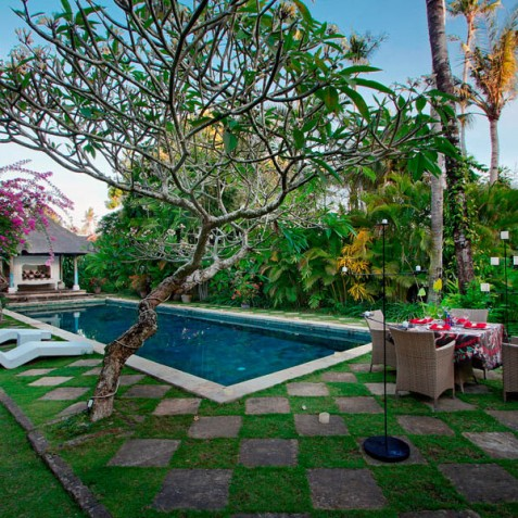 Villa Hibiscus, Sanur, Bali - Dining by Pool