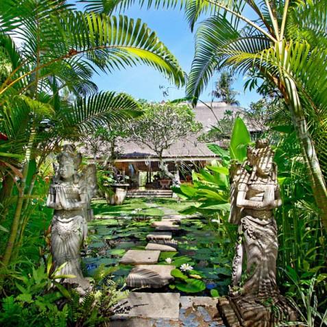 Villa Hibiscus, Sanur, Bali - Garden Statues and Ponds