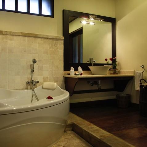 Bagus Jati Health & Wellbeing Retreat, Bali - Superior Villa Bathroom