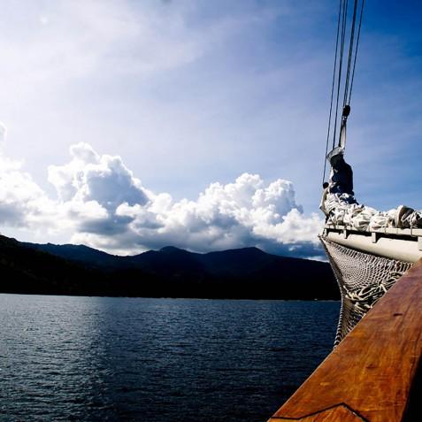 Horizon - Mutiara Laut - Luxury Yacht Charter Indonesia