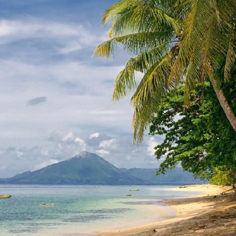 Banda Islands - Mutiara Laut - Luxury Yacht Charter Indonesia
