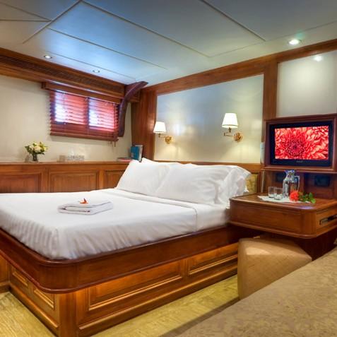 Deluxe Suite - Mutiara Laut - Luxury Yacht Charter Indonesia