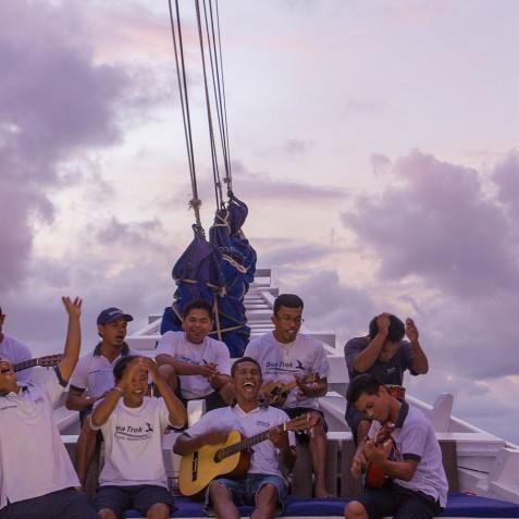 Crew Entertainment - Ombak Putih Cruises - Sailing Adventures - Indonesia