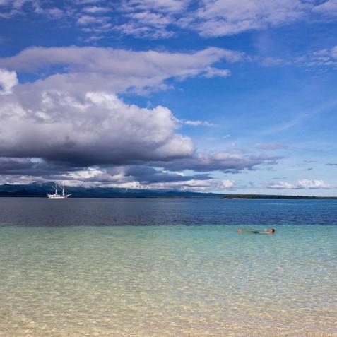 Beaches - Ombak Putih Cruises - Sailing Adventures - Indonesia