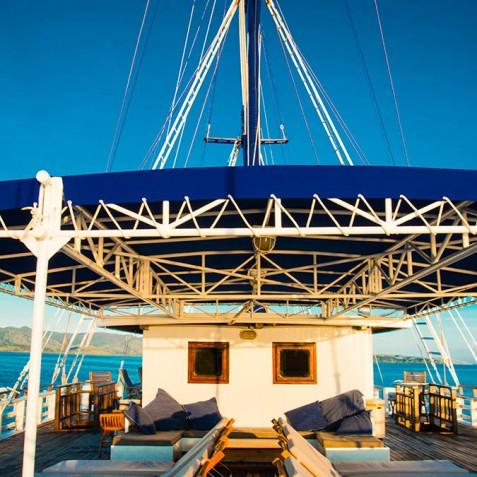 Upper Deck - Ombak Putih Cruises - Sailing Adventures - Indonesia