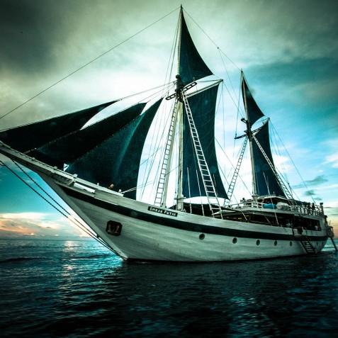 Ship Exterior - Ombak Putih Cruises - Sailing Adventures - Indonesia