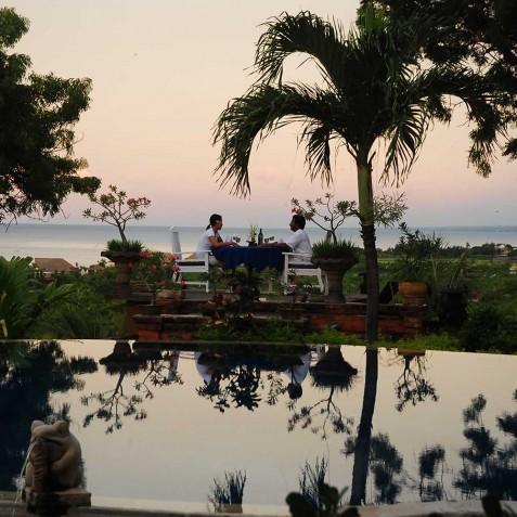 Pool & Garden - Sunset - Zen Resort Bali