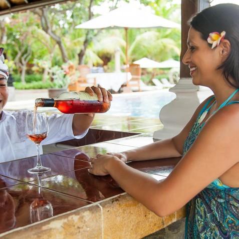 Poolside Bar - Zen Resort Bali - Indonesia