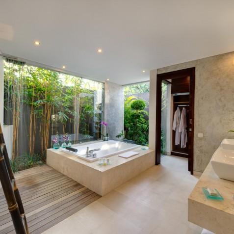 The Layar - 2 Bedroom Villa - Bathroom - Seminyak, Bali