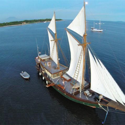 Carpe Diem - Indonesian Phinisi Yacht Charter