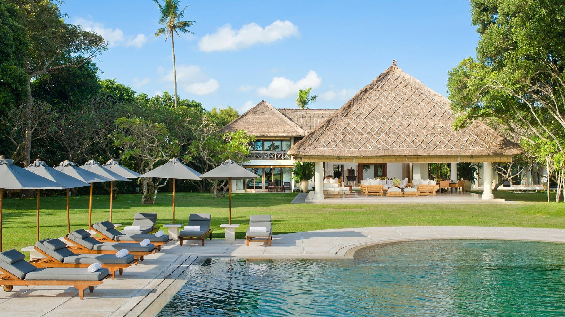 Villa Atas Ombak - Bali Beachfront Villas
