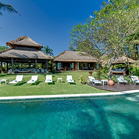 Sungai Tinggi Beach Villa